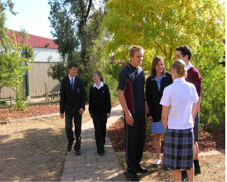 Hoppers Crossing Secondary College - Adelaide Schools